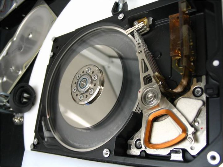 Glass Hard Drive : Barriers to data recovery rotational scoring gillware
