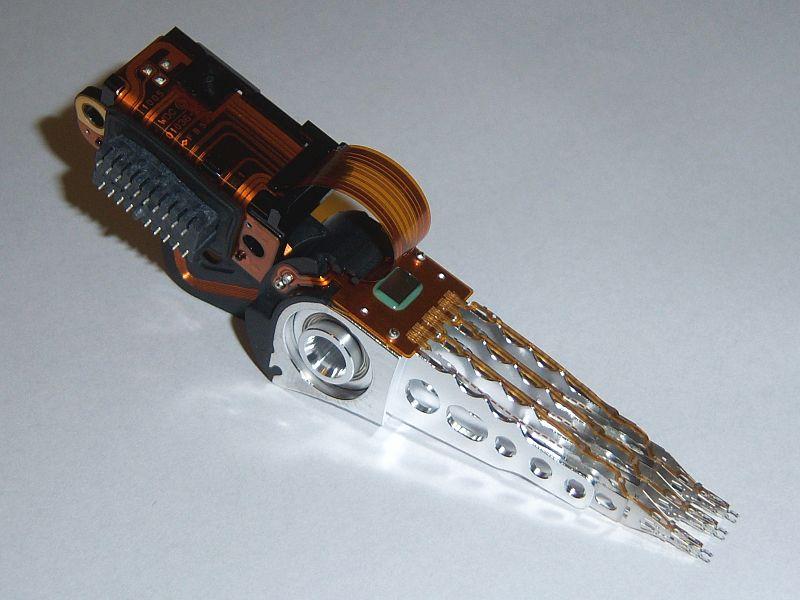 Western Digital WD2500JS-00MHB0 headstack