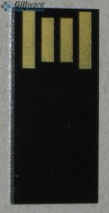 A monolithic USB drive