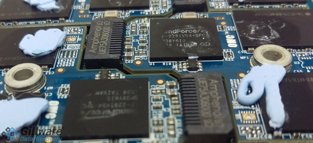 Very close view of inside of OWC Aura SSD