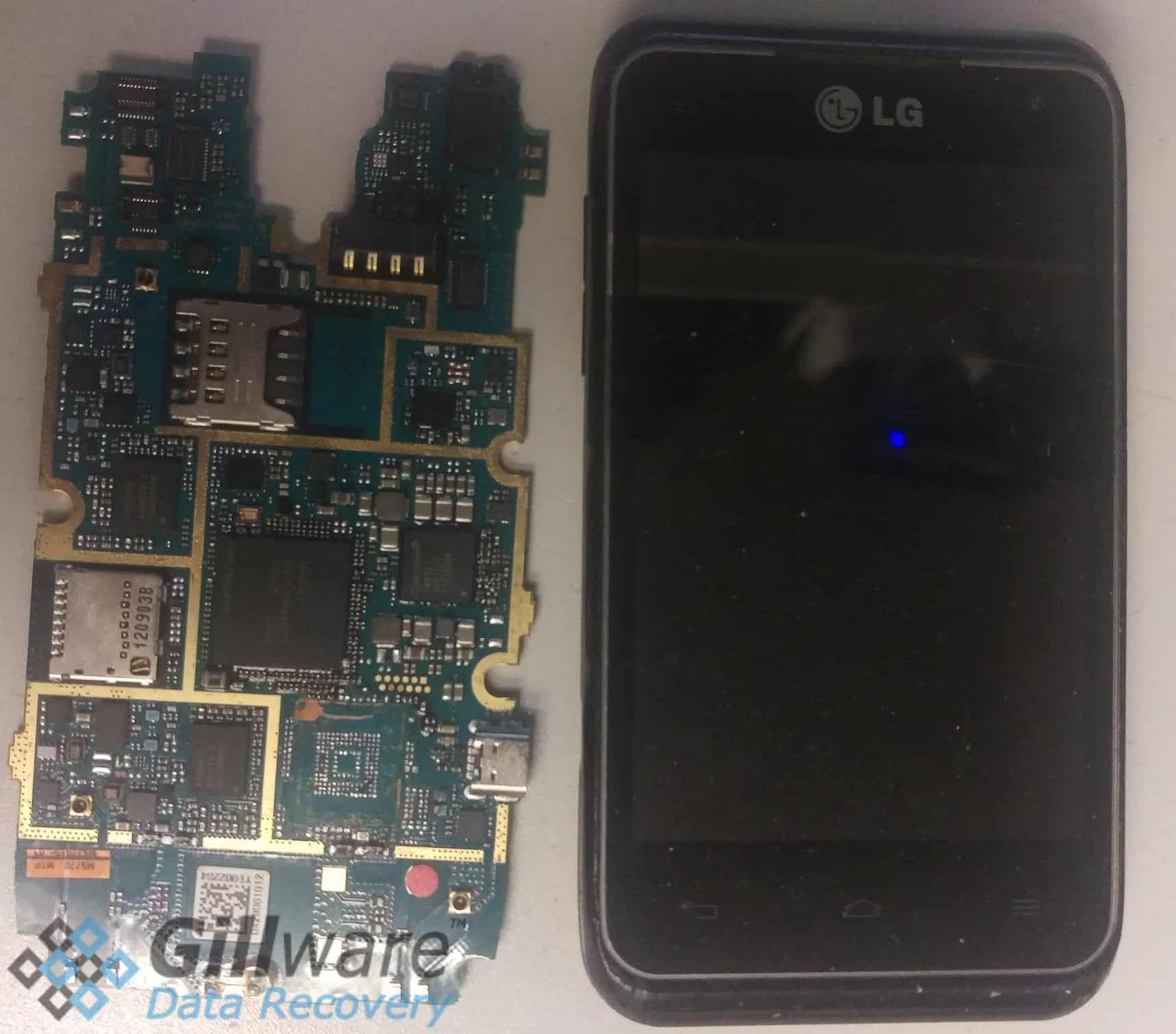 The parts from a LG mobile phone data recovery case