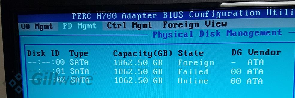 One disk with a foreign status and one disk with a failed status in the PERC H700 BIOS configuration utility