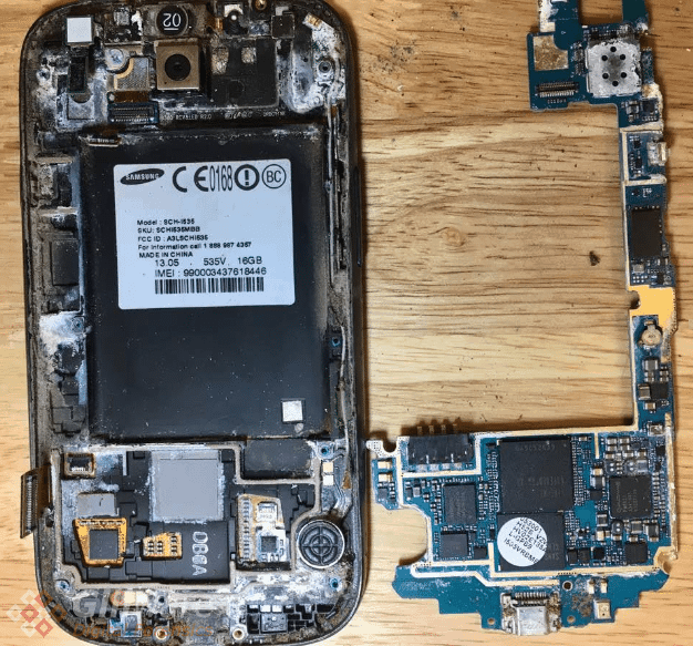 Mobile phone disassembly for forensic data recovery purposes